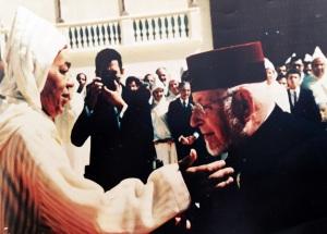 """רבי ידידה מונסונגו זצ""""ל עם המלך חסן השני"""