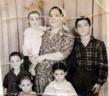 """שרה דבורה כהן ז""""ל עם אלי אבנר ויצחק"""